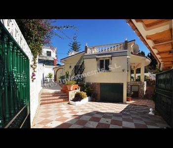 Villa independiente en Puerto Marina Benalmádena